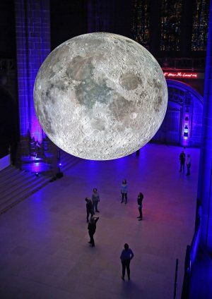 Luke Jerram > Museum of the Moon